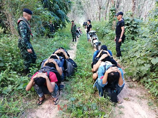 ทหารร่วม ตชด.เข้าจับกุมแรงงานต่างด้าว 19 คนขณะกำลังหลบหนีข้ามฝั่งไปมาเลเซีย
