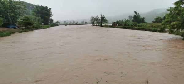 น่านฝนหนักทั้งวันทั้งคืน เตือน 26 หมู่บ้านเสี่ยงน้ำป่า-โคลนถล่มเตรียมพร้อมอพยพ