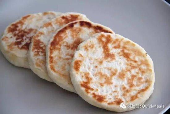 เล่าปิ่ง/แผ่นแป้งทอดจีน ขอบคุณภาพจาก https://www.xiachufang.com/recipe/102273095/