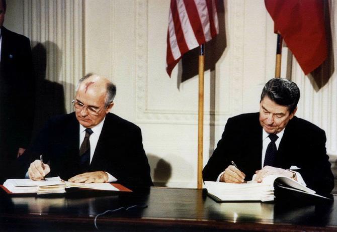 สนธิสัญญาควบคุมนิวเคลียร์พังครืน'สหรัฐฯ'ถอนตัวอย่างเป็นทางการ นาโต้โทษรัสเซีย