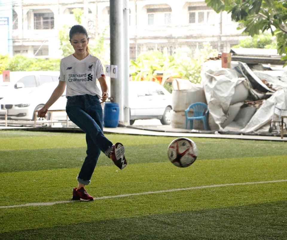 """""""ณัฏฐพล-มาดามเดียร์""""เปิดแข่งฟุตบอลเยาวชนจอมทอง-ธนบุรี สานฝันเด็กๆ เล่นกีฬา"""