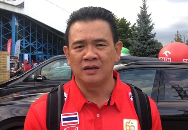 โค้ชด่วน ดนัย ศรีวัชรเมธากุล หัวหน้าผู้ฝึกสอนทีมชาติไทย