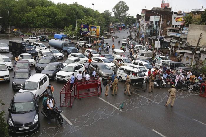 'แคชเมียร์'เดือดระอุ!! อินเดียยกเลิกฐานะพิเศษ มุ่งรวมเข้ากับแดนภารตะแบบเต็มร้อย  ปากีฯโวยแหลก 'ผิดกฎหมาย'