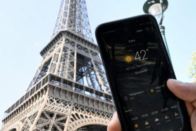 อุณหภูมิร้อนจัดที่ปารีส (AFP Photo/Bertrand GUAY)