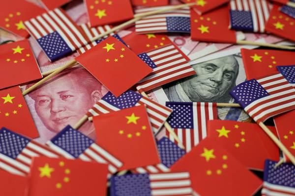 """จีนชี้สหรัฐฯ """"จงใจทำลายระเบียบสากล"""" สงครามการค้าขยายวงสู่สงครามเงิน"""