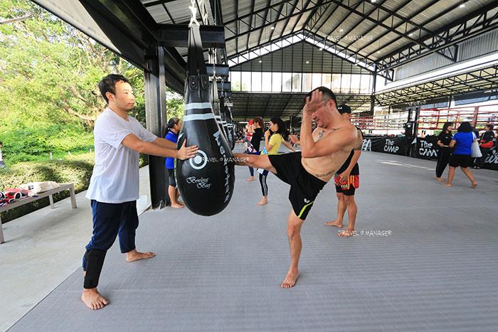 การฝึกซ้อมเรียนมวยไทยที่ The Camp Muay Thai Resort and Academy
