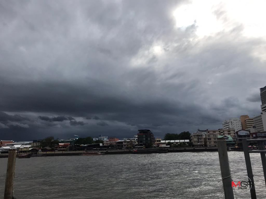 เตือนมรสุม! ฝนกระหน่ำตะวันออก-ใต้ ระวังอันตราย ซัดกทม. ร้อยละ 60