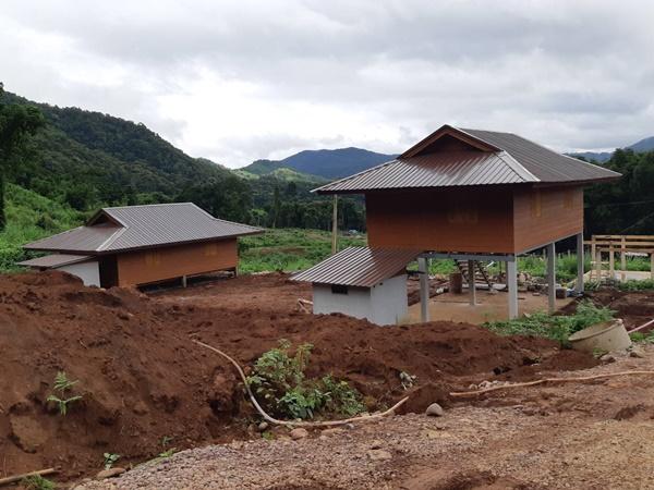 บ้านพักถาวรเพิ่งสร้างได้ 2 หลัง