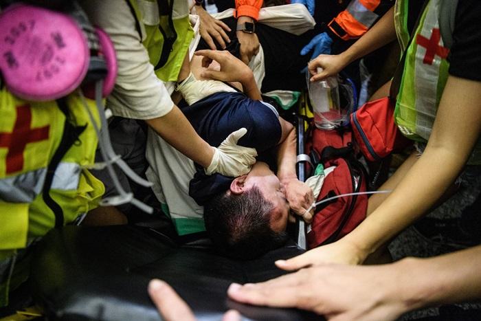 จีนประณามม็อบฮ่องกง 'ผู้ก่อการร้าย'  หลังเหตุ'ซ้อม'ผู้เดินทาง-นักข่าวที่สนามบิน
