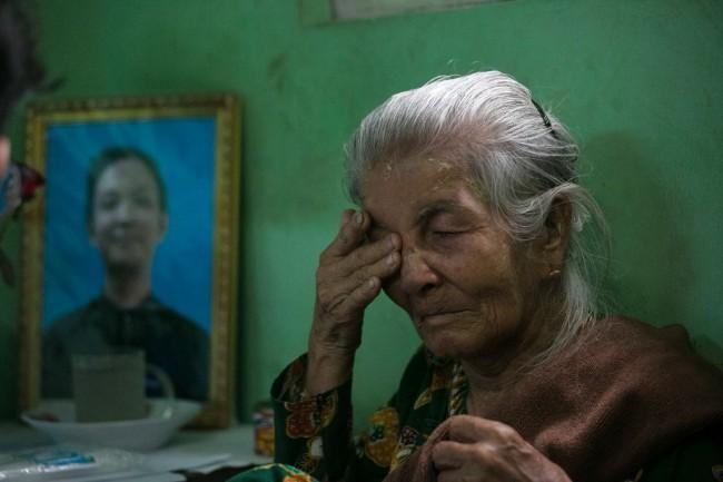 ครอบครัวเกย์หนุ่มพม่ารับไม่ได้ หลังผลสอบอ้างสภาพจิตใจอ่อนแอเป็นสาเหตุจบชีวิต