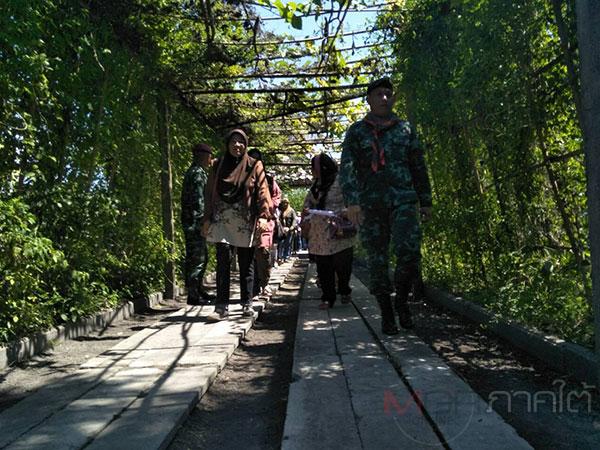 เปิดศูนย์เรียนรู้กลางค่ายทหาร นำชาวบ้าน 2 หมู่บ้านจากมาเลเซีย เข้าศึกษาสวนเกษตรพอเพียง