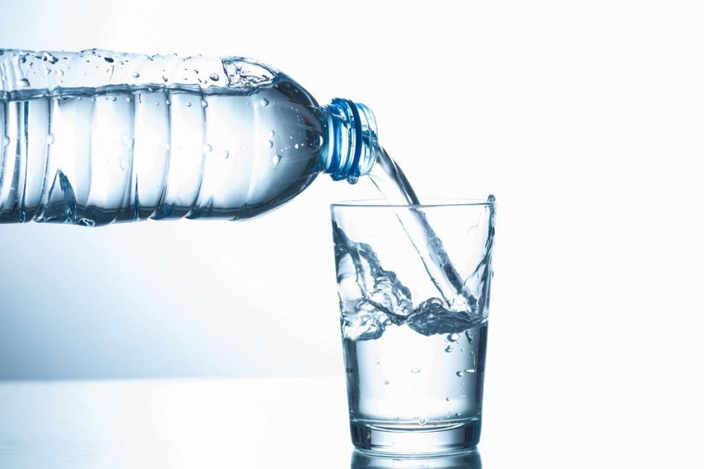ถามจริง! น้ำเปล่าน่ะดื่มกันเป็นรึยัง? / พลโทนายแพทย์ สมศักดิ์ เถกิงเกียรติ