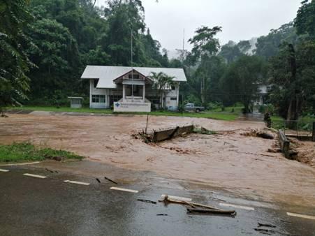 ด่วน!ฝนถล่มน่านทั้งคืนกว่า 200 มม.ฝายม่วงขวาแตก-น้ำทะลักท่วม 3 หมู่บ้านเวียงสา
