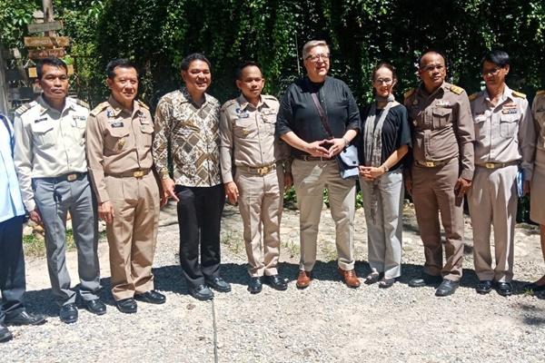 เอกอัครราชทูตสหภาพยุโรปประจำประเทศไทยลงติดตามการช่วยเหลือชาวบ้านที่ระนอง