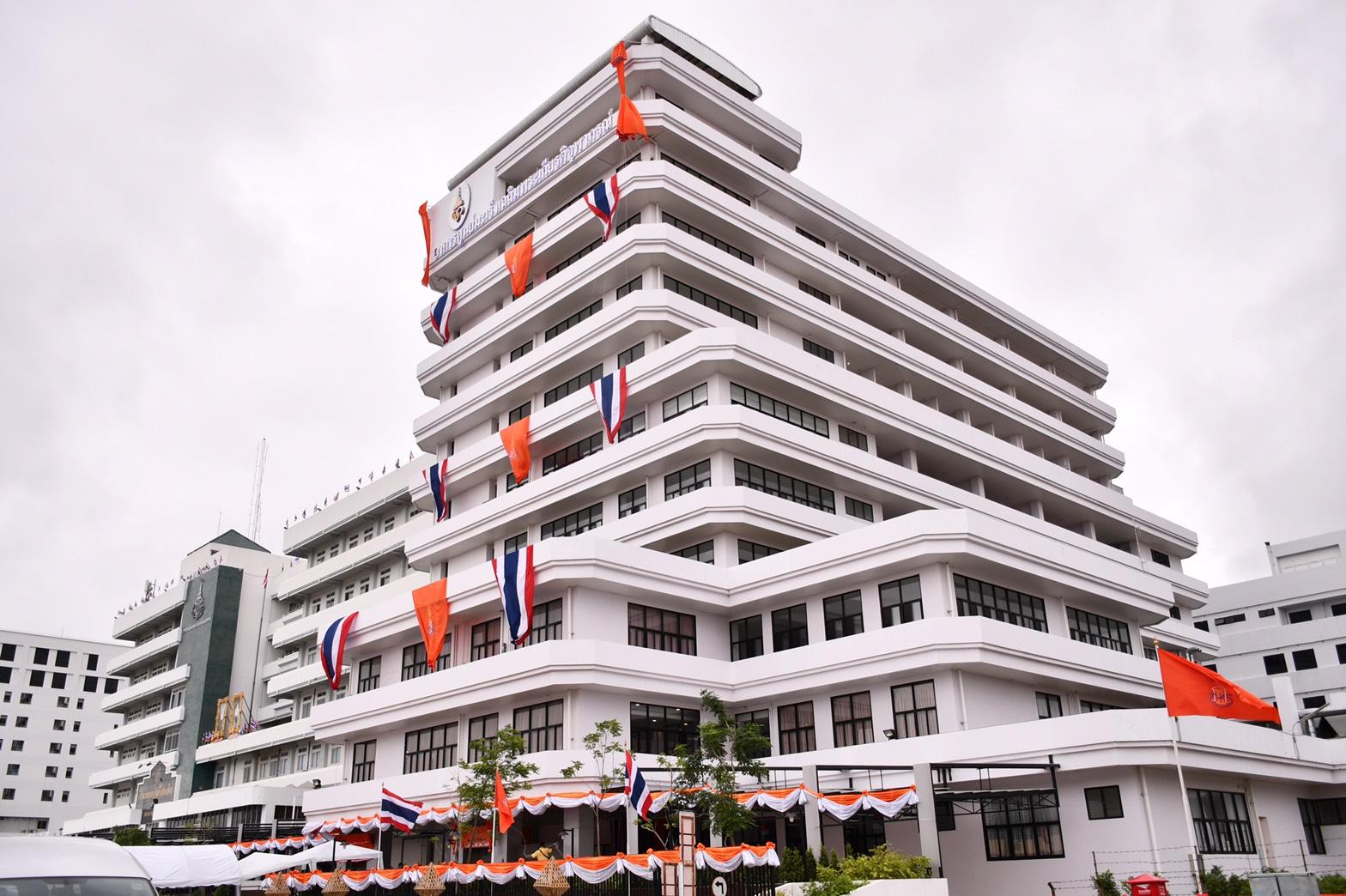 สมเด็จกรมพระศรีสวางควัฒนฯ เสด็จฯ เปิดอาคารศูนย์มะเร็งเฉลิมพระเกียรติจุฬาภรณ์ รพ.ร้อยเอ็ด