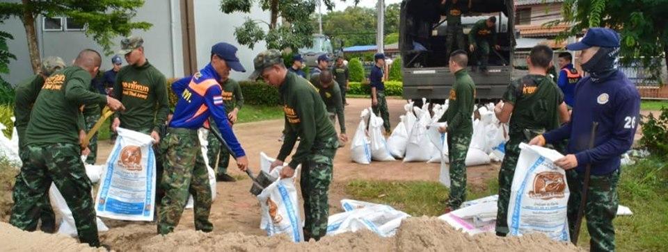 รมว.กห. สั่งกองทัพน้อมนำพระราชกระแสรับสั่งในหลวง ช่วยปชช.จากอุทุกภัย