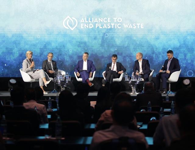 """""""ดาว"""" ผนึกพันธมิตร รุกจัดการขยะพลาสติกอย่างยั่งยืนในไทยและอาเซียน"""
