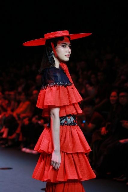 """ELLE Fashion Week Fall/Winter 2019"" จัดยิ่งใหญ่ฉลอง 25 ปีนิตยสาร ELLE ประเทศไทย ด้วย 9 โชว์สุดตระการตาจากดีไซเนอร์ชั้นนำของไทย"