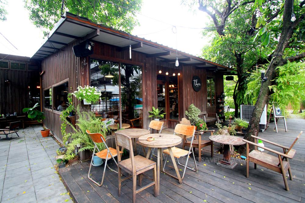 """""""Thee Cafe""""  นั่งสบายในบ้านไม้ รื่นรมย์กลางสวน ชวนชิมเมนูโฮมเมด"""
