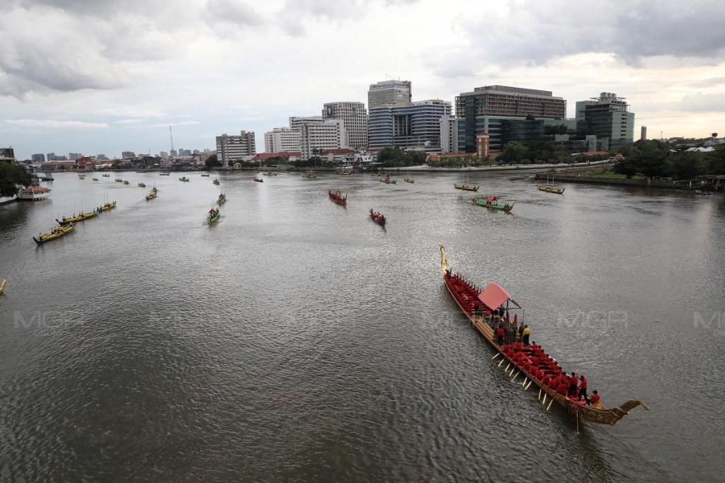 3 ก.ย. ซ้อมขบวนเรือพระราชพิธีฯ ประกาศงดเดินเรือ ตั้งแต่สะพานกรุงธนฯ - สะพานพระปกเกล้า พร้อมจัดรถ ขสมก. อำนวยความสะดวกแก่ปชช.