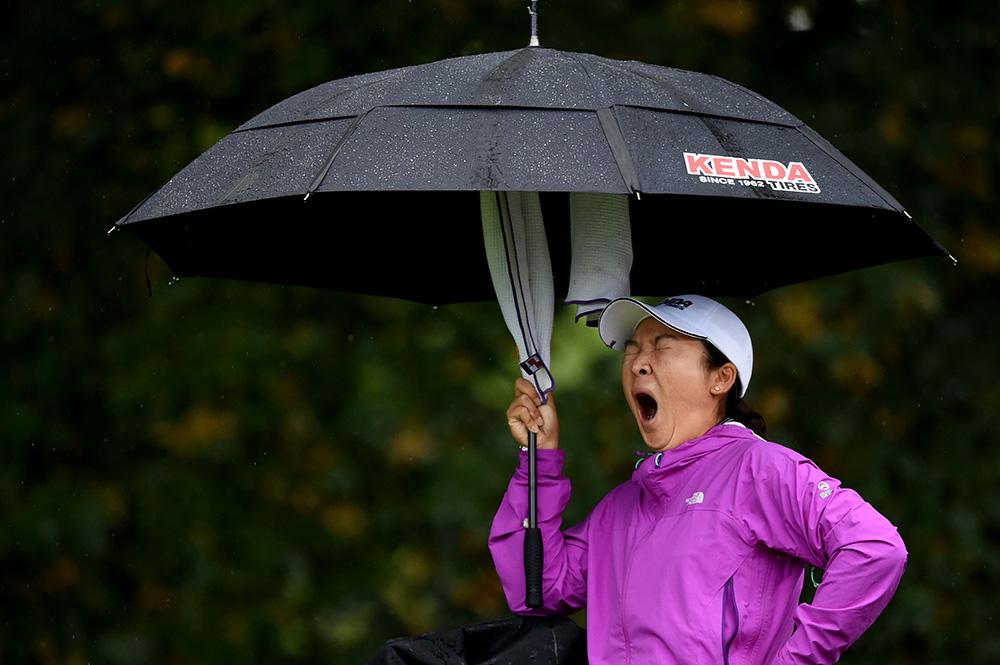 นักกอล์ฟ...ตะลอนทั่ว...ไม่กลัวฝน / พลโทนายแพทย์ สมศักดิ์ เถกิงเกียรติ
