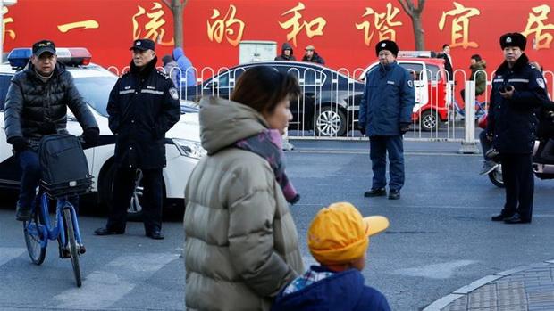 สลดรับเปิดเทอม!คนร้ายโจมตีโรงเรียนจีน ฆ่าหมู่เด็กประถม8ศพ