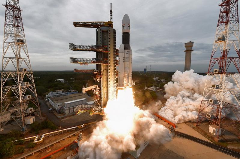 อินเดียช็อค! 'จันทรายาน-2' ขาดการติดต่อขณะลงจอดบนดวงจันทร์
