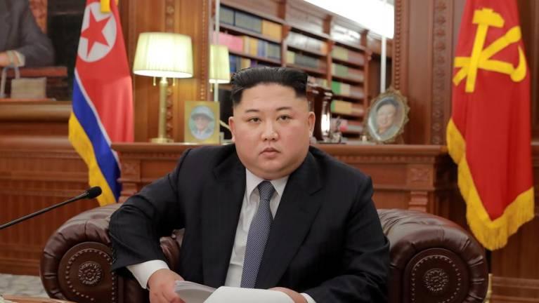 """ผู้นำเกาหลีเหนือด่า """"เจ้าหน้าที่"""" ทำตัวสบายใจเฉิบ ทั้งที่พายุใหญ่กำลังมา"""