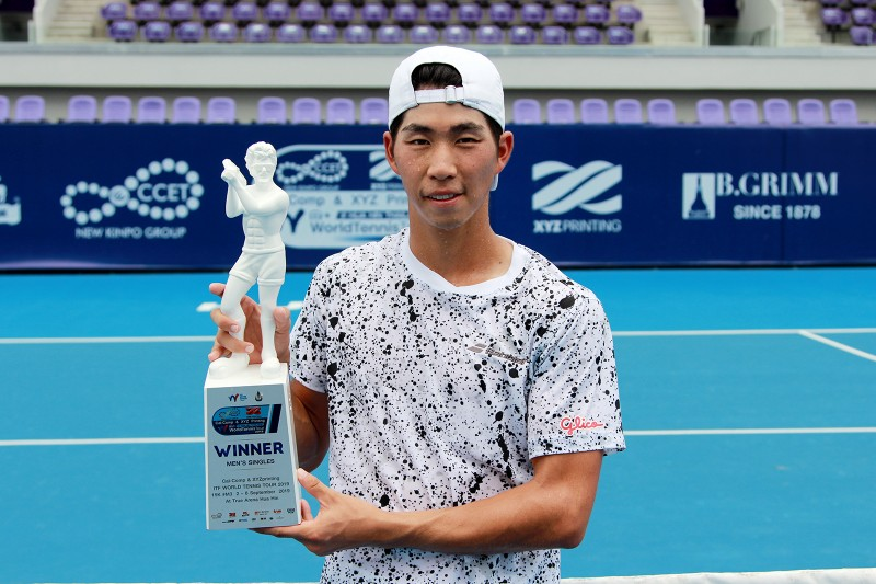 นักหวดญี่ปุ่น คว้าแชมป์ศึกเทนนิส แคล-คอมพ์ฯ