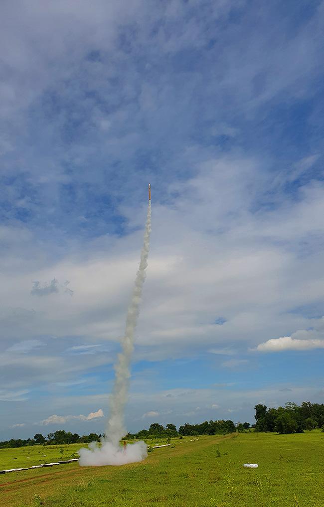 จรวดทะยานฟ้านำส่งดาวเทียมแคนแซท