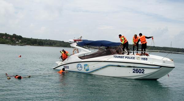 หลายหน่วยงานใน จ.ตราด ซ้อมแผนช่วยผู้ประสบภัยทางทะเลเตรียมพร้อมรับไฮซีซั่น