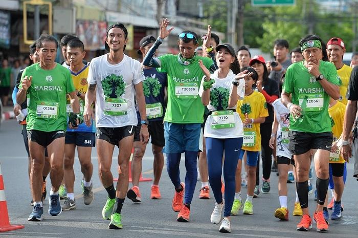 """""""ตูน บอดี้สแลม"""" ขอวิ่งไกลสุดในชีวิต ชวนคนไทยร่วม """"ก้าวต่อไปด้วยพลังเล็กๆ"""" ภาคใต้ 24-27 ต.ค.นี้"""