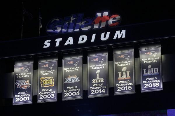 ป้ายแชมป์ทั้ง 6 สมัย