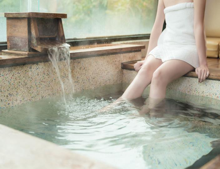อาบน้ำร้อนก่อนเจ้า...ข้าเข้าใจ มันช่วยให้พักผ่อนนอนหลับดี / พลโทนายแพทย์ สมศักดิ์ เถกิงเกียรติ