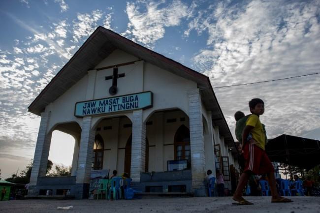 ทหารพม่ากลับลำถอนฟ้องศาสนาจารย์ชาวกะฉิ่น ออกตัวแก้เกี้ยวเป็นสิ่งที่ควรทำ