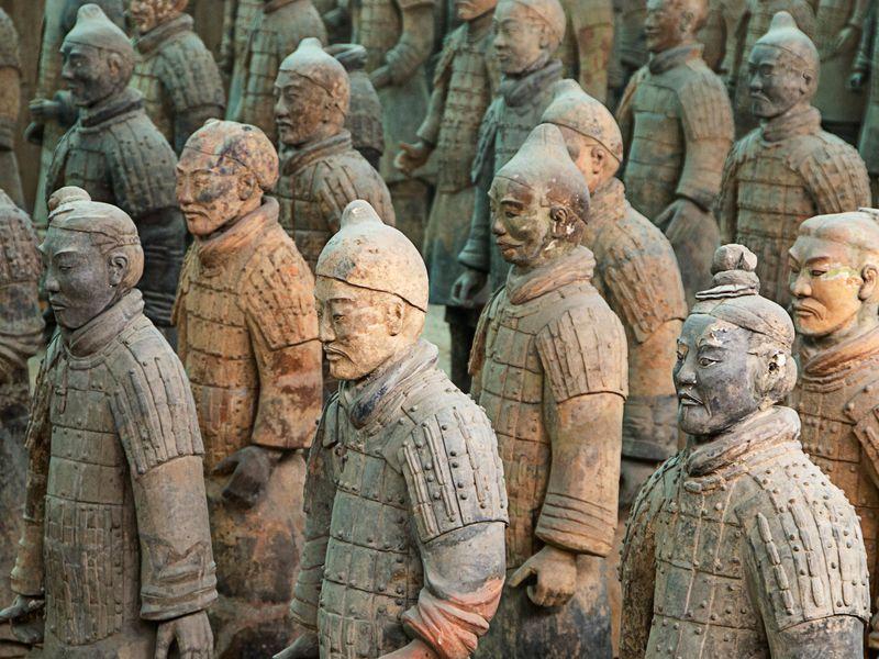 นักรบดินเผาจิ๋นซีฮ่องเต้ ปั้นจากคนจริง 8,000 คน