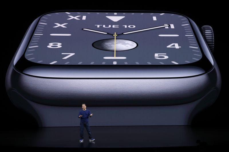 Apple Watch Series 5 รุ่น GPS ขีดราคาเริ่มต้นที่ 13,400 บาท
