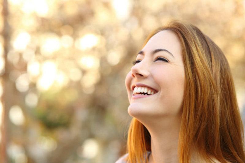 5 วิธีเรียกรอยยิ้ม เปิดสวิตช์สมองหลั่งสารความสุข ลดเครียด