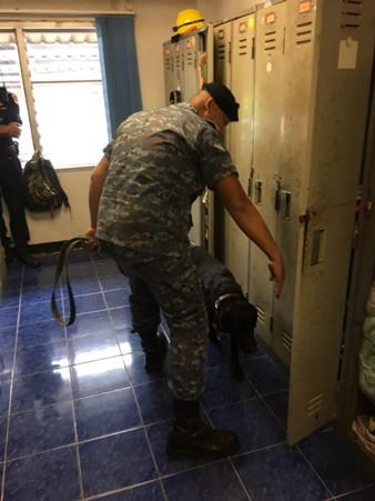 จู่โจมตรวจฉี่ จนท.ในสนามบินเชียงใหม่เกือบร้อย สกัดยาเสพติดแพร่ระบาด