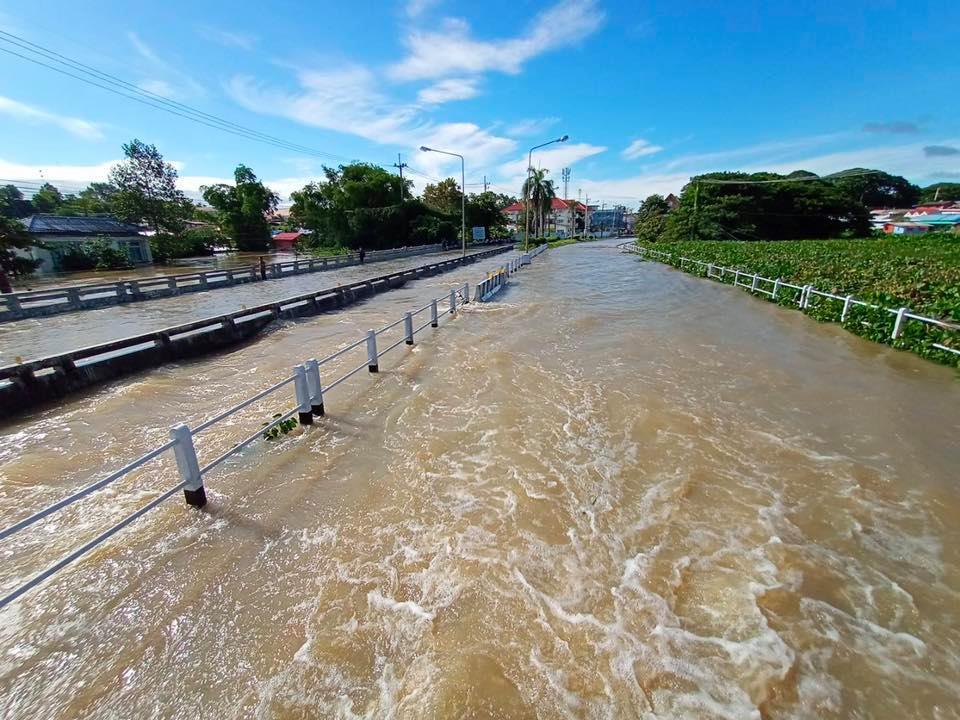 ตกต่อเนื่อง! อุตุฯ เผย เหนือ-อีสาน ร่องมรสุมพาดผ่านโดนฝนมากสุด ทะเลคลื่นสูง
