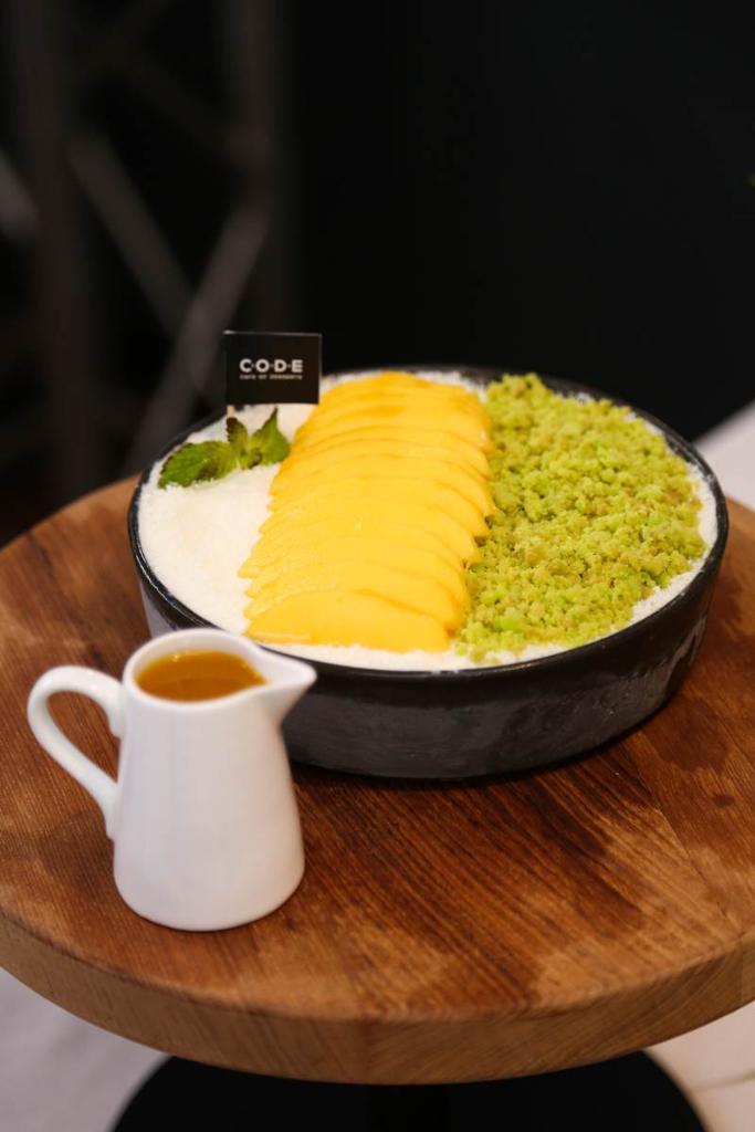 Mango Flat Bingsu 250 บาท