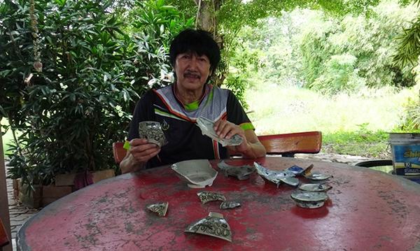 สมบัติล้ำค่า!! พบถ้วยชามโบราณอายุกว่า 100 ปีถูกฝังโคนต้นไม้ใน อ.พานทอง จ.ชลบุรี