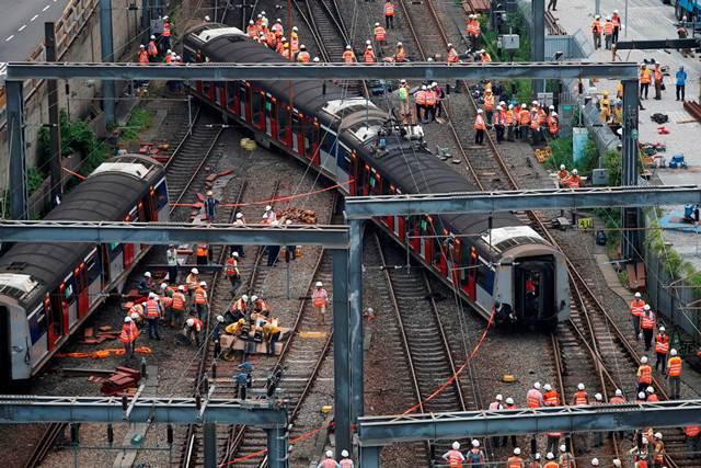 รถไฟฮ่องกงตกราง บาดเจ็บ 8 คน