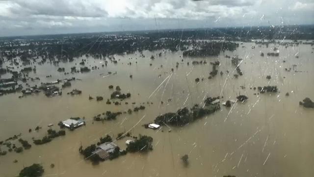 """""""คลัง"""" แจงรัฐบาลเปิดรับบริจาคช่วยน้ำท่วมไม่ใช่เพราะไม่มีงบประมาณ ยันเงินคงคลังมีกว่า 5 แสนลบ."""