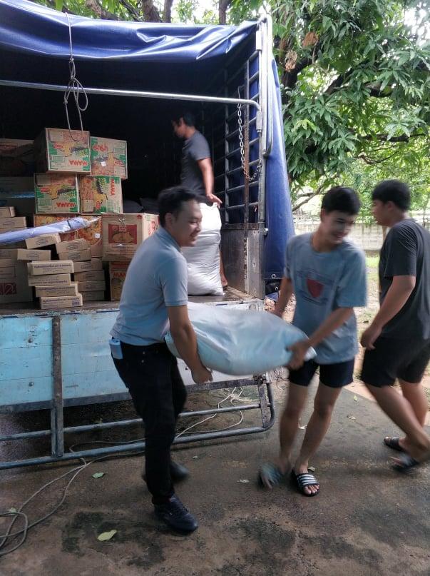 """""""ซมโปะ ประกันภัย"""" จับมือพันธมิตร ยกพลลงพื้นที่ช่วยเหลือผู้ประสบภัยน้ำท่วมภาคอีสาน"""