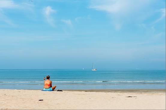 รอยัล ลันตา รีสอร์ท แอนด์ สปา สวรรค์แห่งการพักผ่อนบนเกาะลันตาใหญ่สิ่งอำนวยความสะดวกครบครัน พร้อมกิจกรรมสำหรับทุกคนในครอบครัว