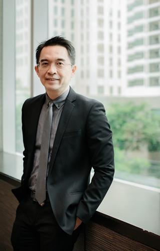 ดร.พิพัฒน์ ยอดพฤติการ ประธานสถาบันไทยพัฒน์