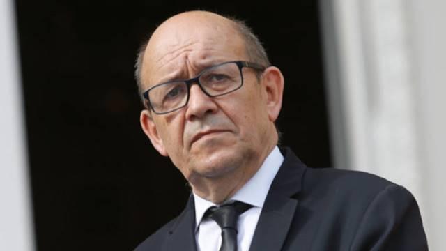 """ฝรั่งเศสไม่เชื่อ """"กบฏเยเมน"""" โจมตีโรงกลั่นน้ำมันซาอุฯ"""