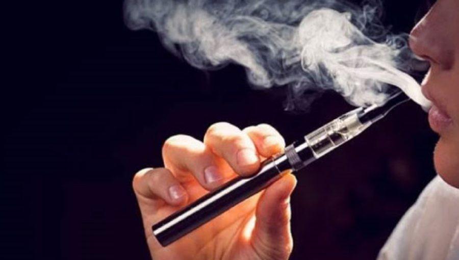 """เจอสารไร้สี ไร้กลิ่น มีใน """"บุหรี่ไฟฟ้า"""" คาดต้นตอทำปอดอักเสบตาย เหมือนติดเชื้อรุนแรง"""
