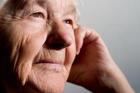 """5 วิธีชะลอ """"สมองเสื่อม"""" ในผู้สูงวัย"""